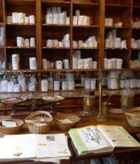 داروخانه طبیعی و سنتی دارو گیاهی (1)